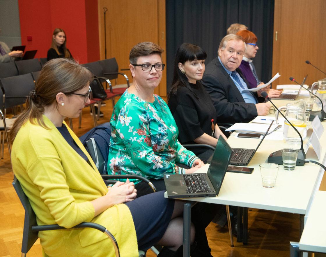 Kultuurikomisjon arutas huvirühmadega põhikooli lõpueksamitest loobumist
