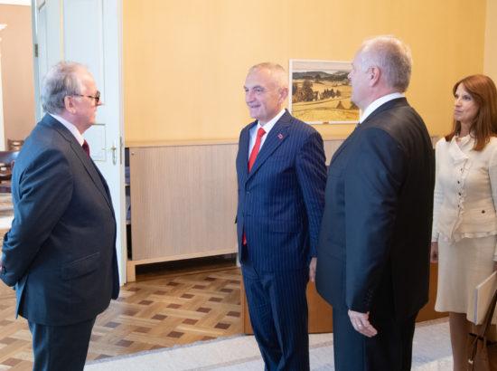 Riigikogu esimees Henn Põlluaas, Albaania president Ilir Meta ja Riigikogu väliskomisjoni esimees Enn Eesmaa