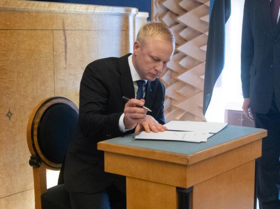 Riigikogu täiskogu istung, Mart Võrklaeva ametivanne