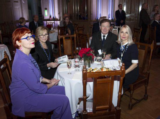 Balti Assamblee Eesti delegatsiooni liikmed Signe Kivi, Urve Tiidus, Urmas Espenberg ja Helle-Moonika Helme