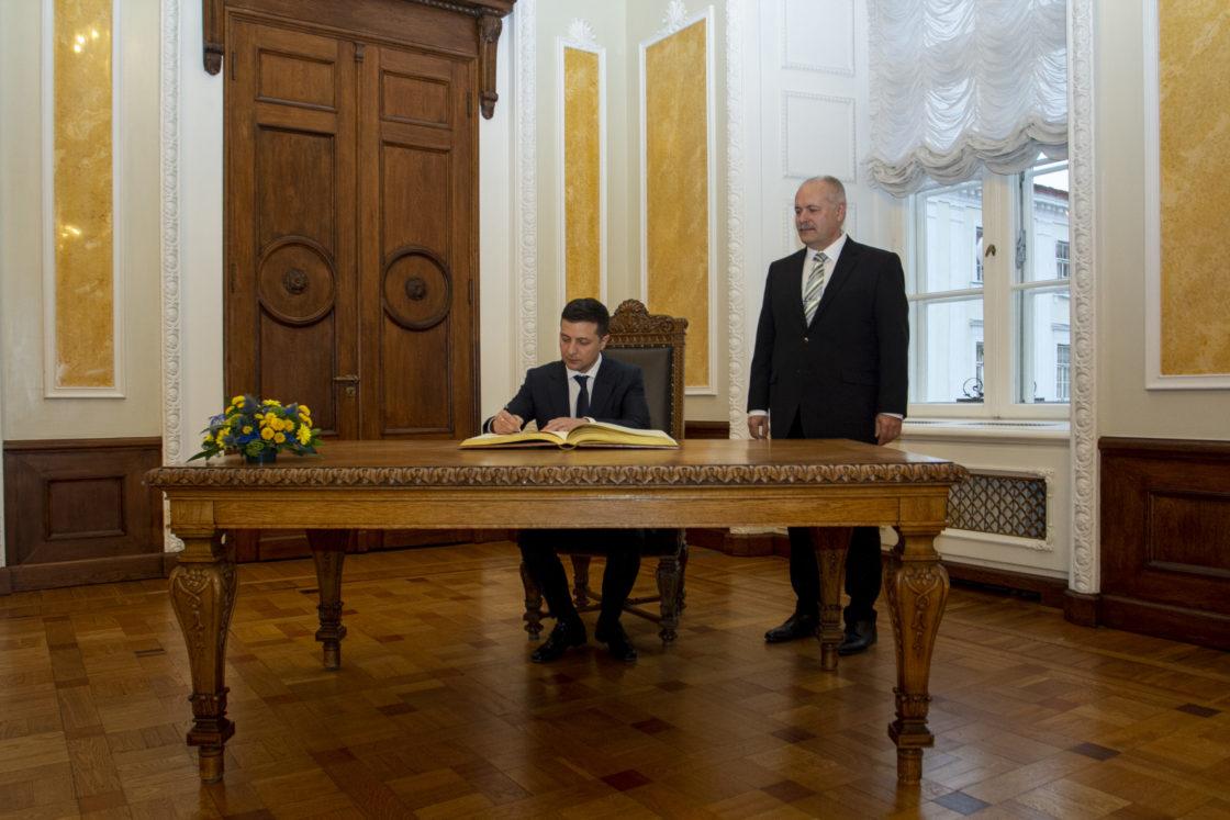 Riigikogu esimees Henn Põlluaas ja Ukraina president Volodõmõr Zelenskõi