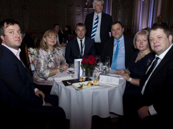 Balti Assamblee Eesti delegatsiooni liikmed Marek Jürgenson, Helmen Kütt, Kalvi Kõva, Sven Sester ja Erki Savisaar