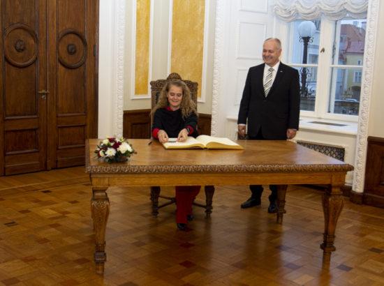 Riigikogu esimees Henn Põlluaas ja Kanada kindralkuberner Julie Payette