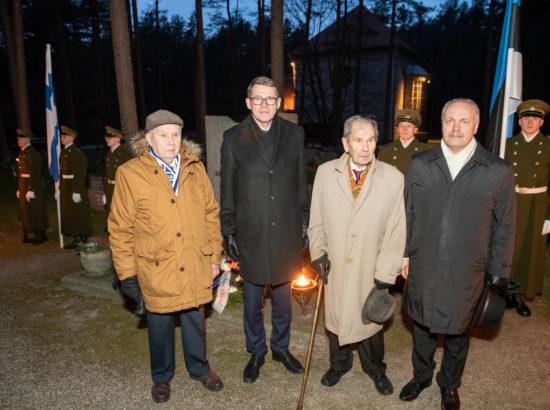 Riigikogu esimees Henn Põlluaas, Eduskunna esimees Matti Vanhanen ja soomepoisid