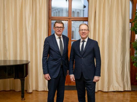 Riigikogu väliskomisjoni aseesimees Marko Mihkelson ja Eduskunna esimees Matti Vanhanen