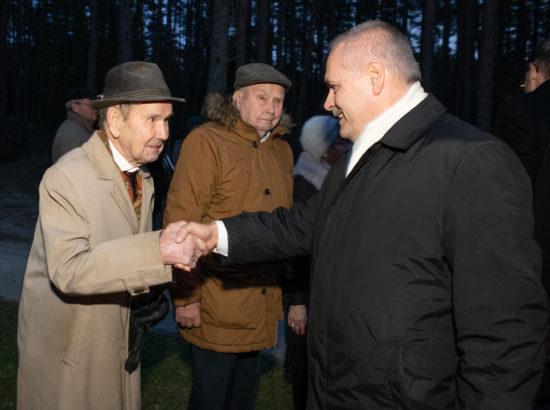 Riigikogu esimees Henn Põlluaas ja soomepoisid