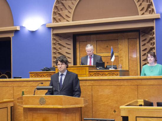Riigikogu istungil andis ametivande Riigikohtu liige Kalev Saare