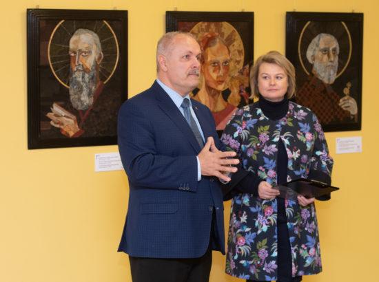 Näituse avamine. Kõnelesid Riigikogu esimees Henn Põlluaas ja MTÜ Vene Muuseumi juhatuse liige Irina Budrik