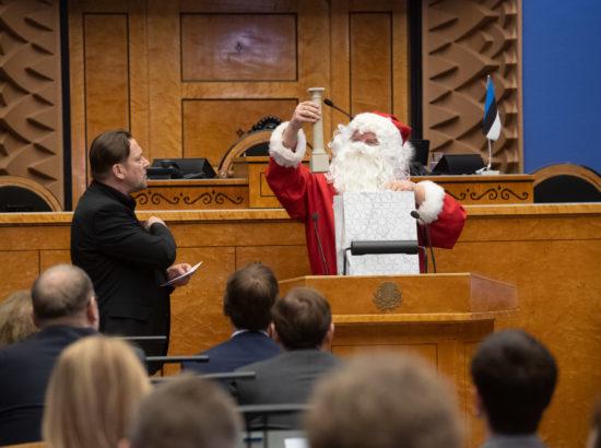 Riigikogu sügisistungjärgu viimane istung, jõuluvana külaskäik