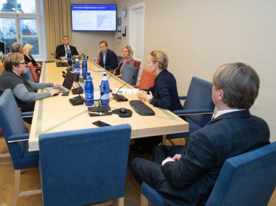 Arenguseire Keskus tutvustas majanduskomisjonis Eesti regionaalse majanduse tulevikustsenaariume aastani 2035