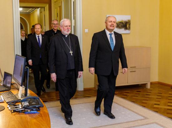 Riigikogu esimees Henn Põlluaas ja Vatikani väliminister peapiiskop Paul Richard Gallagher