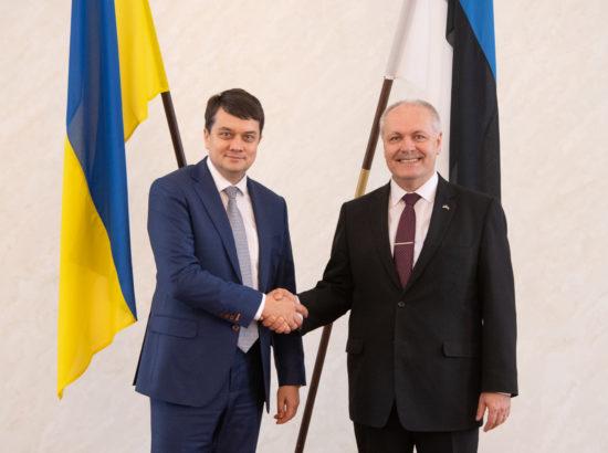 Riigikogu esimees Henn Põlluaas ja Ukraina Ülemraada esimees Dmõtro Razumkov