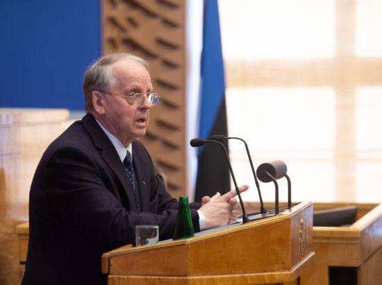 Täiskogu istung, välispoliitika arutelu olulise tähtsusega riikliku küsimusena. Väliskomisjoni esimehe Enn Eesmaa ettekanne.