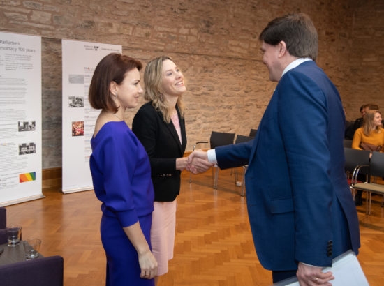 Põhiseaduskomisjoni liige Oudekki Loone ning Riksdagi esimees Andreas Norlén