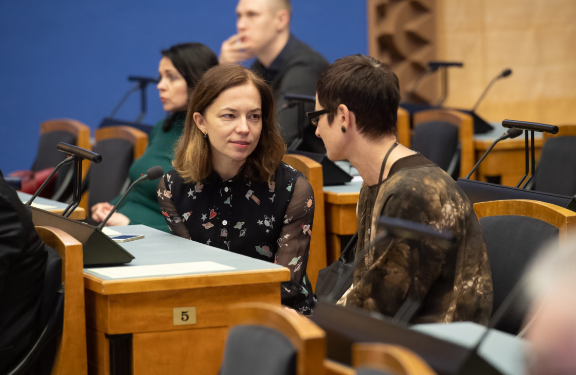 """Olulise tähtsusega riikliku küsimuse """"Mets muutuva kliima tingimustes"""" arutelu, Riigikogu liikmed Liina Kersna ja Signe Riisalo"""