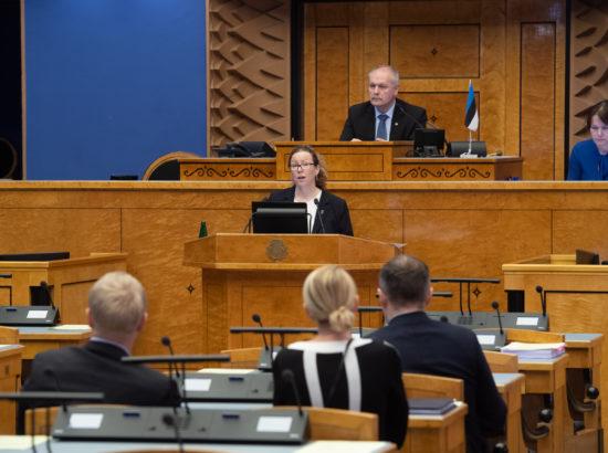 Tartu Ülikooli loodus- ja täppisteaduste valdkonna ökoloogia ja maateaduste instituudi botaanika vanemteadur Aveliina Helmi ettekanne