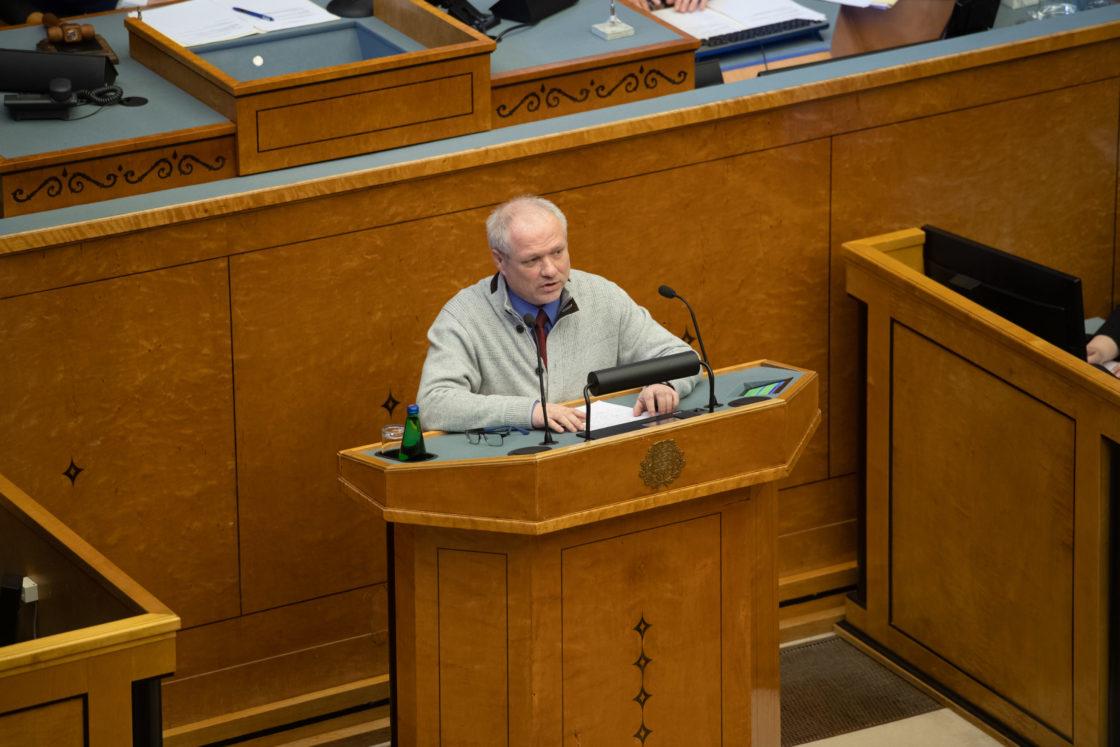 Täiskogu täiendav istung, 2020. aasta lisaeelarve seaduse eelnõu üleandmine. Läbirääkimistel võttis Eesti Konservatiivse Rahvaerakonna fraktsiooni nimel sõna Paul Puustusmaa.