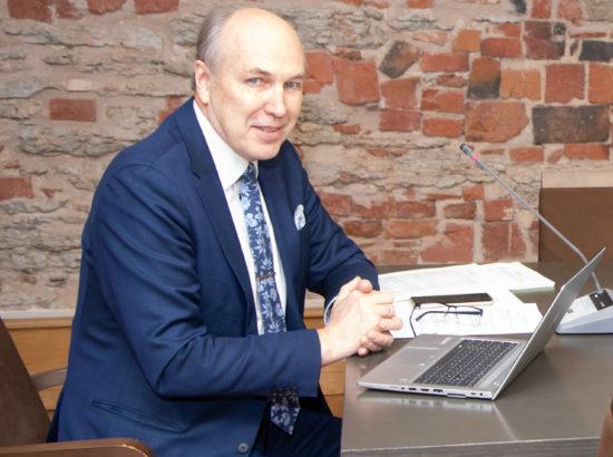 Rahanduskomisjoni esimees Aivar Kokk
