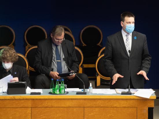 Riigikogu infotund, 22. aprill 2020. Sotsiaalminister Tanel Kiik, justiitsminister Raivo Aeg ning peaminister Jüri Ratas.