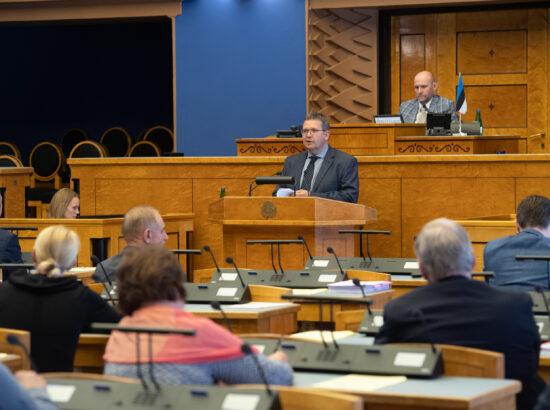 Riigikogu sai Riigikohtu esimehelt Villu Kõvelt ülevaate kohtute tööst.