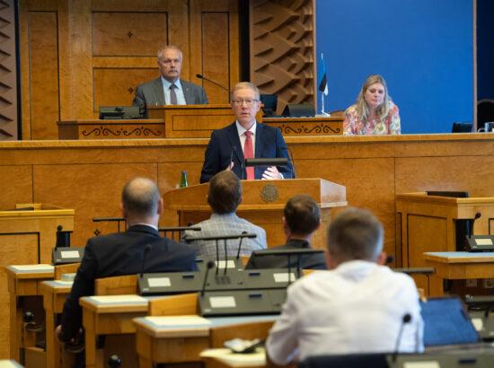 """Riigikogu erakorraline istungjärk, Riigikogu avalduse """"Demokraatia ja kodanikuühiskonna toetuseks Valgevenes"""" eelnõu esimene lugemine. Väliskomisjoni aseesimehe Marko Mihkelsoni ettekanne"""