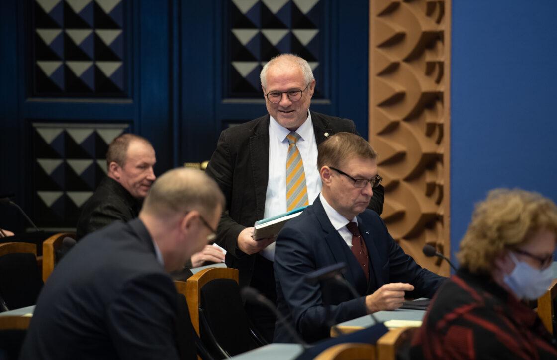 Täiskogu istung, Riigikohtu liikme Urmas Volensi ametivanne ning 2021. aasta riigieelarve seaduse eelnõu esimene lugemine