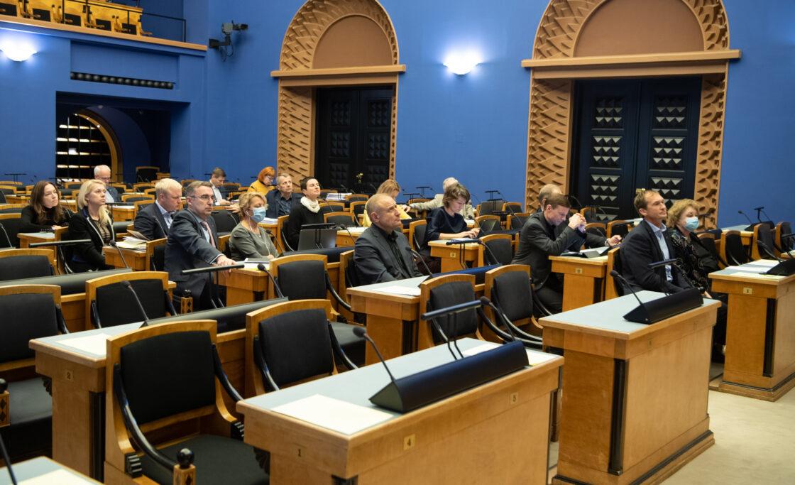 """Eesti Reformierakonna fraktsiooni algatatud olulise tähtsusega riikliku küsimuse """"Kuidas elada koroonaviirusega"""" arutelu"""