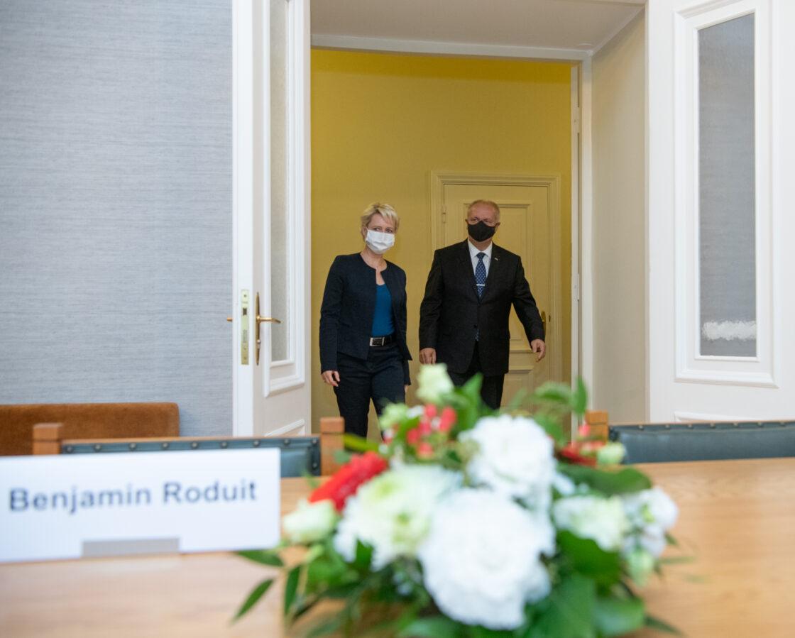 Riigikogu esimees Henn Põlluaas ja Šveitsi rahvusnõukogu esimehe Isabelle Moret