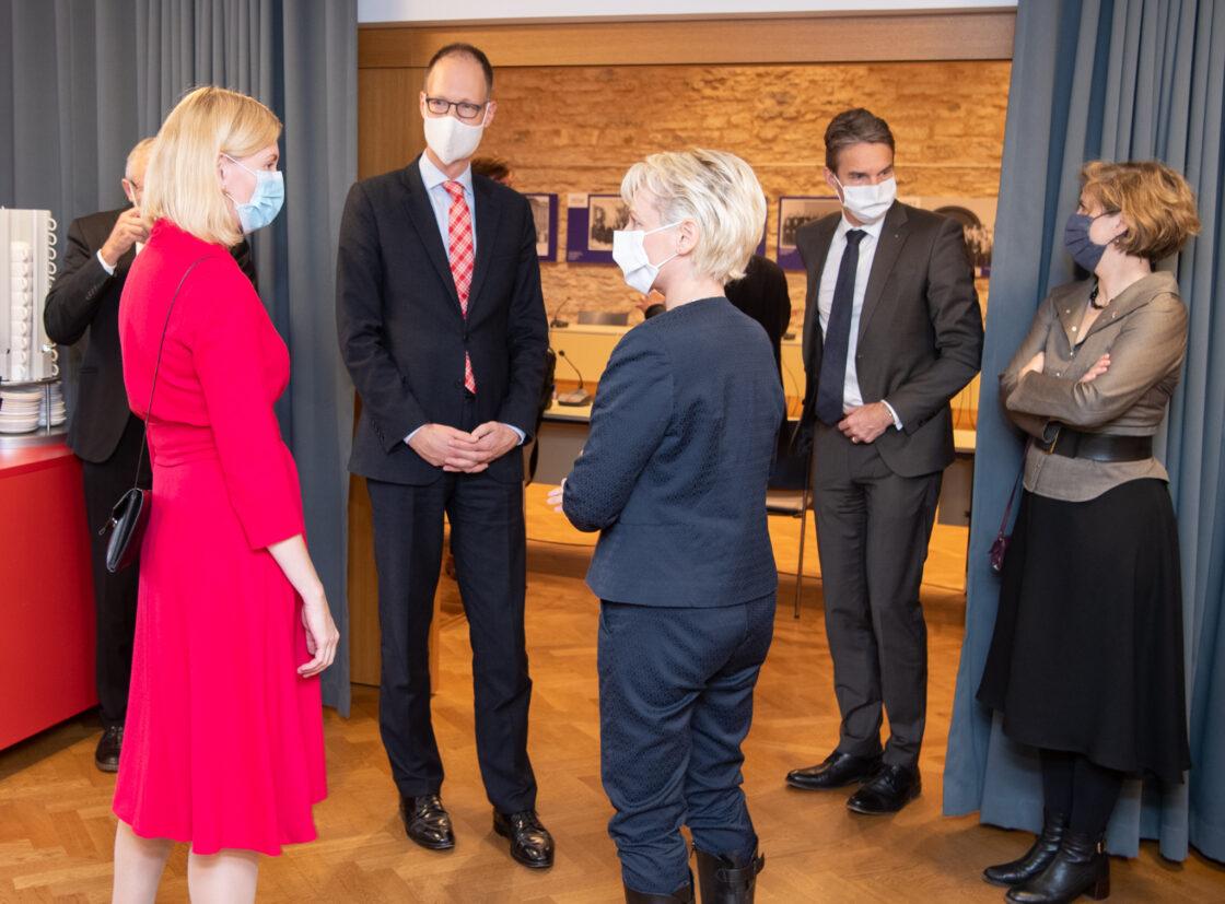 Šveitsi rahvusnõukogu esimees Isabelle Moret kohtumas Euroopa Liidu asjade komisjoni aseesimehe Riina Sikkutiga