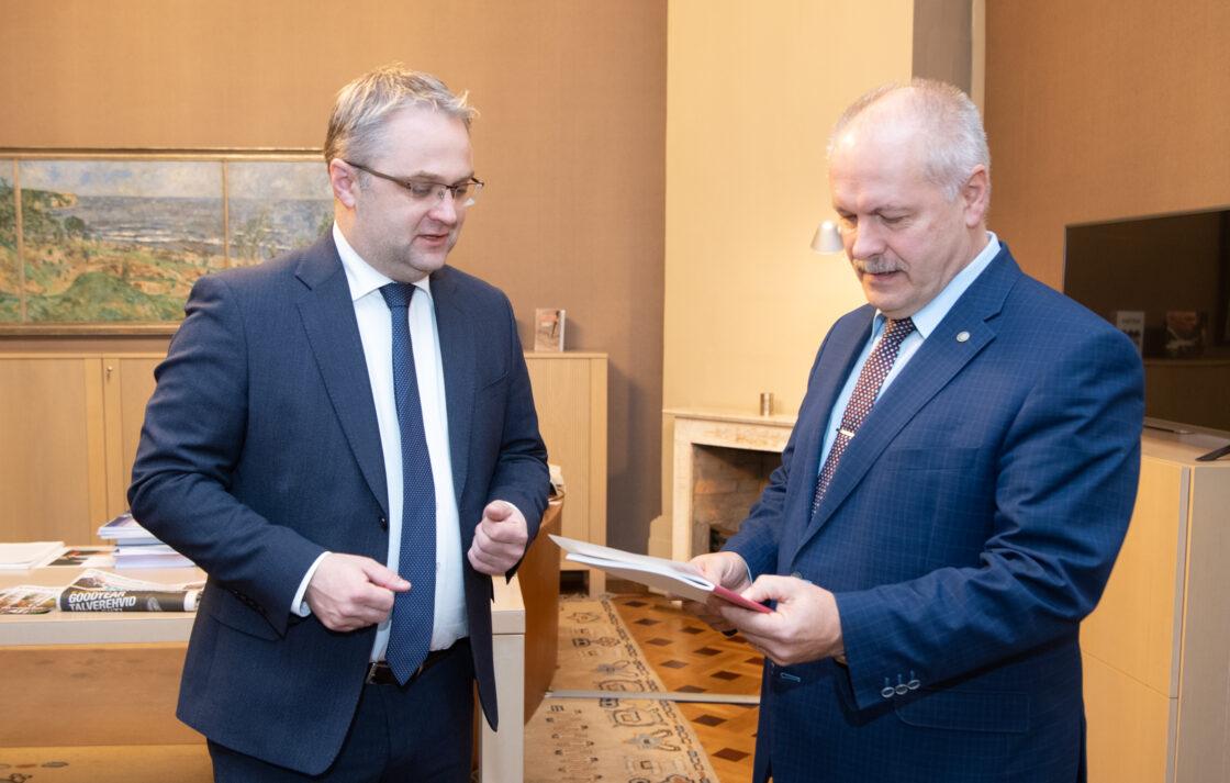 Riigikogu esimees Henn Põlluaas ja Riigikontrolör Janar Holm