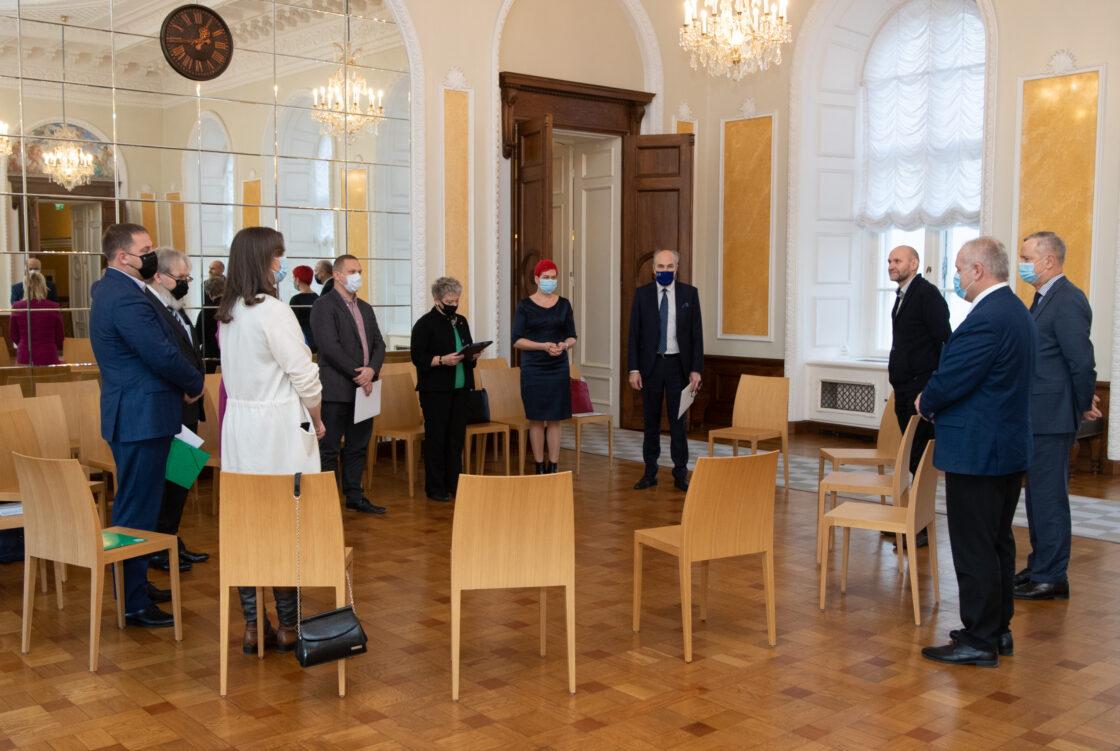 Riigikogu juhatus V Omavalitsuspäeval