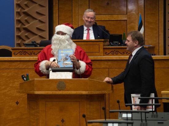 Riigikogu kaugosalusega istung, jõuluvana külaskäik