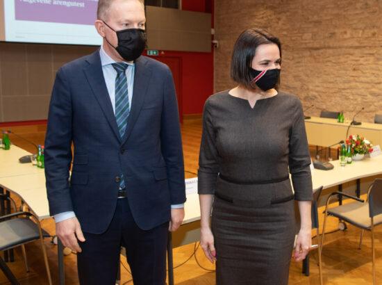 Riigikogu väliskomisjoni aseesimees Marko Mihkelson ja Valgevene opositsiooni liider Svjatlana Tsihhanovskaja