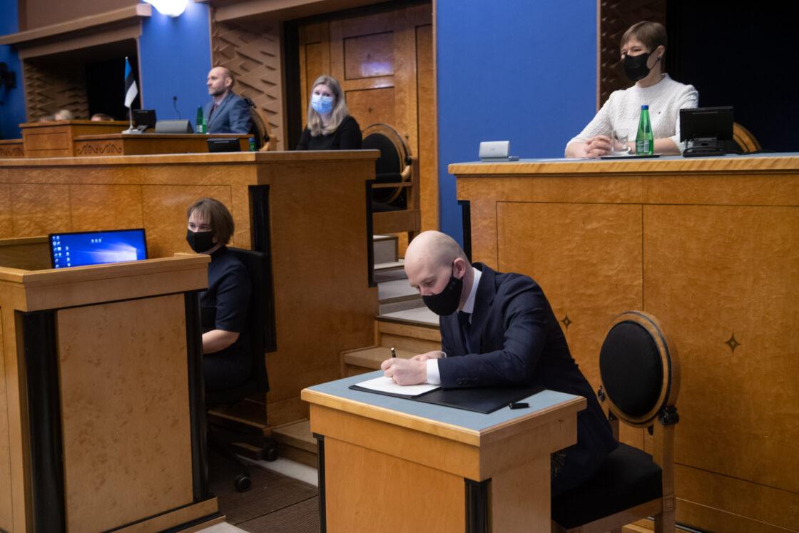 Täiskogu istung, uue valitsuse liikmed andsid ametivande, 26. jaanuar 2021. Keskkonnaminister Tõnis Mölder.