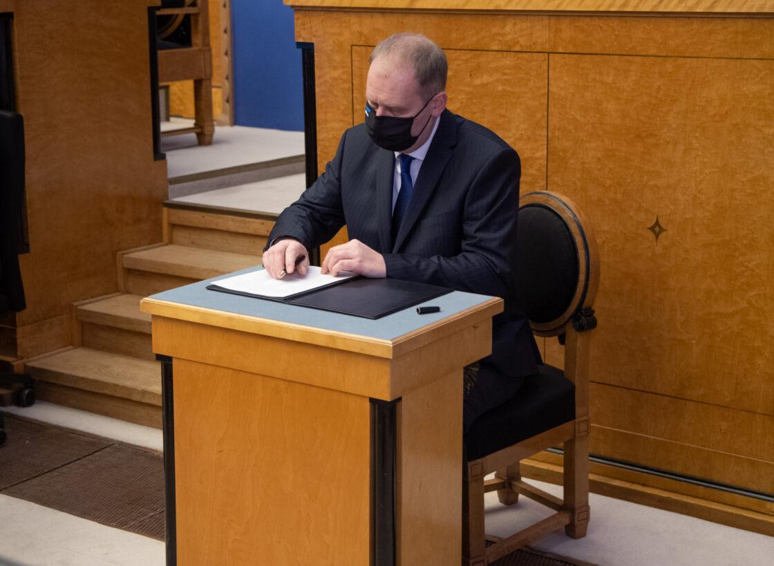 Täiskogu istung, uue valitsuse liikmed andsid ametivande, 26. jaanuar 2021. Maaeluminister Urmas Kruuse.