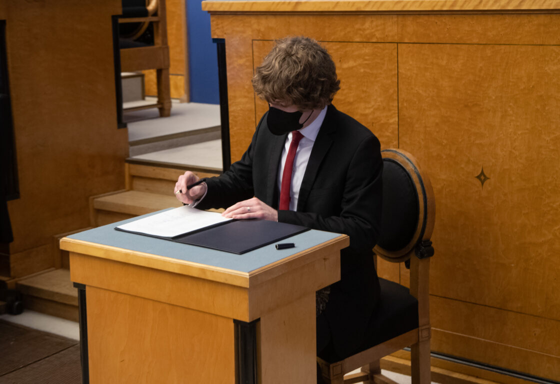 Täiskogu istung, uue valitsuse liikmed andsid ametivande, 26. jaanuar 2021. Tervise- ja tööminister Tanel Kiik.