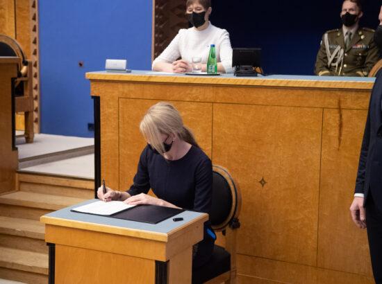 Täiskogu istung, uue valitsuse liikmed andsid ametivande, 26. jaanuar 2021. Välisminister Eva-Maria Liimets.