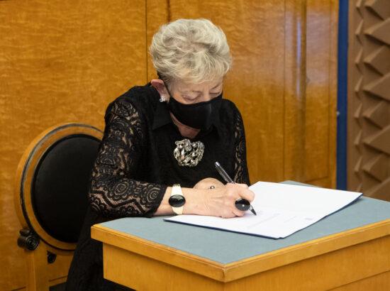 Täiskogu istung, Riigikogu asendusliikmete ametivanne