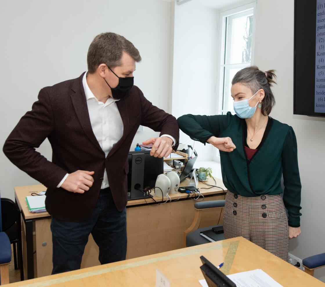 Keskkonnakomisjoni esimees Yoko Alender ja aseesimees Andres Metsoja