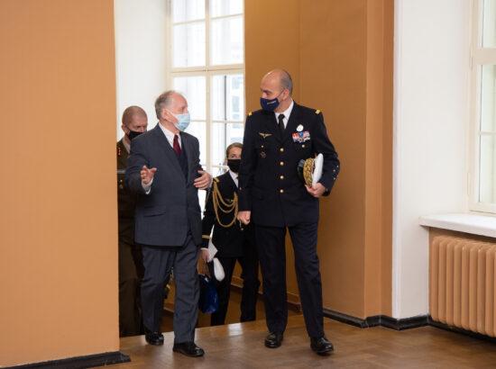 Riigikaitsekomisjoni kohtumine NATO arendusväejuhatuse ülema kindral André Lanataga