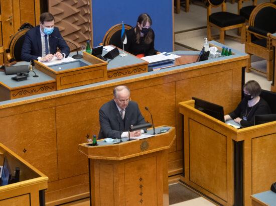 """Täiskogu istung, olulise tähtsusega riikliku küsimuse """"Riigi sõjalise kaitse jätkusuutlik areng"""" arutelu"""