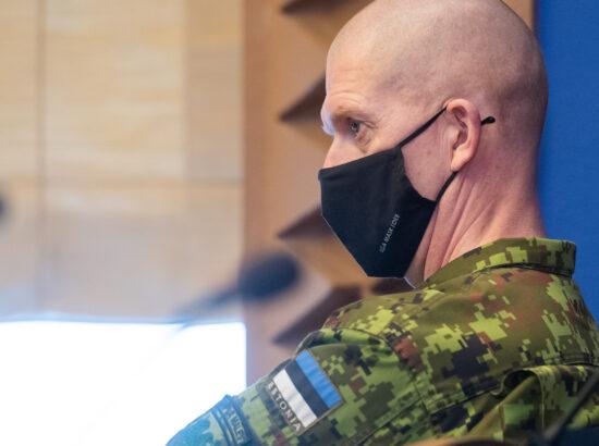 """Täiskogu istung, olulise tähtsusega riikliku küsimuse """"Riigi sõjalise kaitse jätkusuutlik areng"""" arutelu. Kaitseväe juhataja kindralleitnant Martin Herem."""