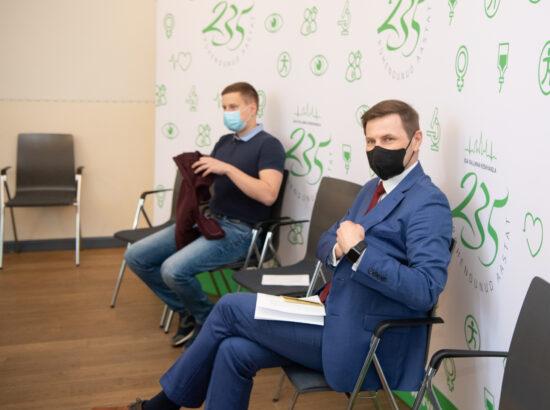 Riigikogu liikmete vaktsineerimine Ida-Tallinna Keskhaiglas