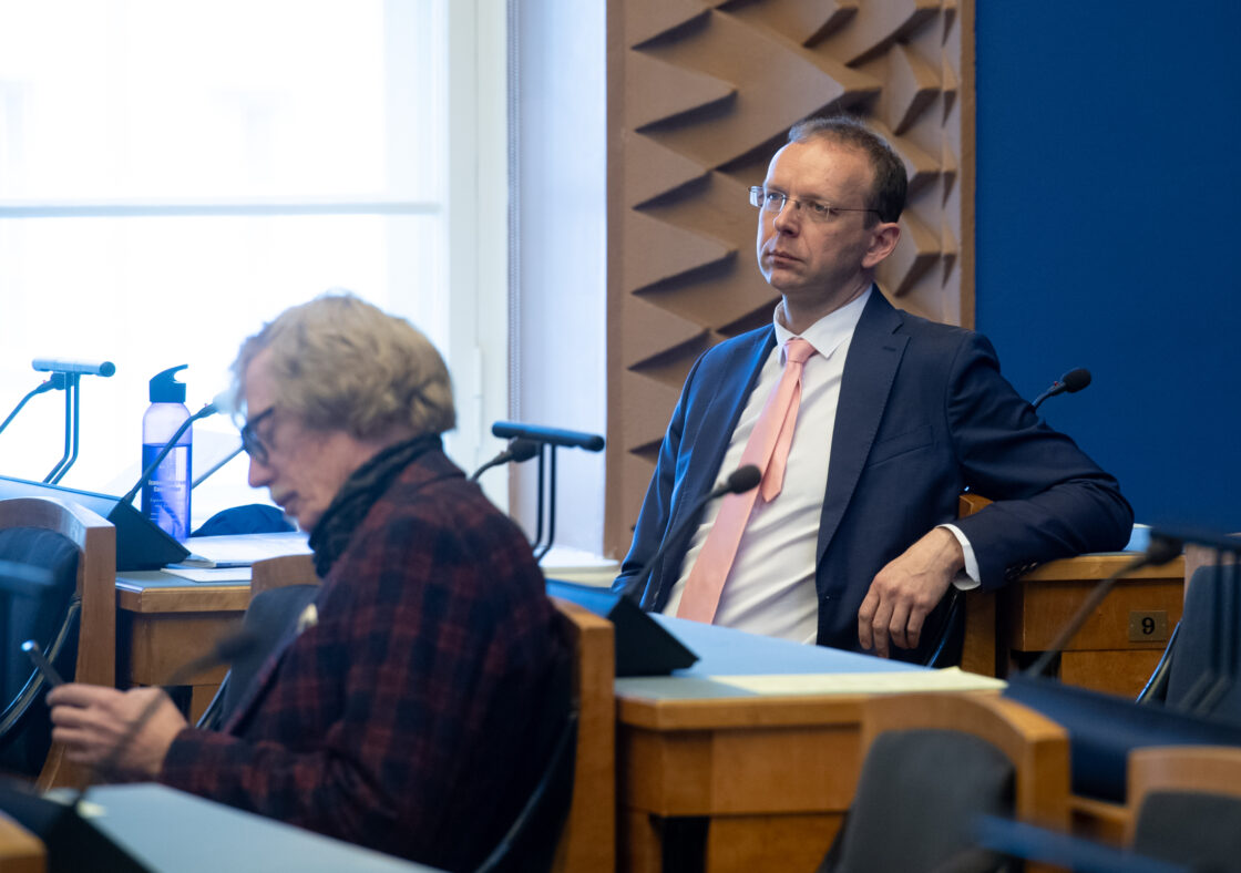 """Täiskogu istung, olulise tähtsusega riikliku küsimuse """"Euroopa Liidu järgmise finantsperspektiivi, taasterahastu ja õiglase üleminekufondi raha planeerimisest"""" arutelu"""