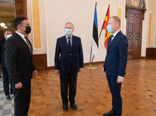 Euroopa Liidu asjade komisjoni esimees Siim Kallas ja väliskomisjoni esimees Marko Mihkelson kohtusid Põhja-Makedoonia Euroopa asjade asepeaministri Nikola Dimitroviga.