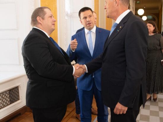 Eesti-Rumeenia parlamendirühma esimees Erki Savisaar, Riigikogu esimees Jüri Ratas ja Rumeenia president Klaus Werner Iohannis