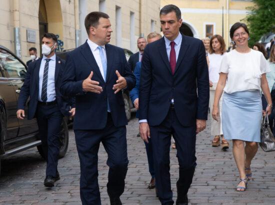 Riigikogu esimees Jüri Ratas rääkis tänasel kohtumisel Hispaania peaminister Pedro Sánchezega kahepoolsete suhete tihendamisest, kaitsealasest koostööst NATOs ning digiteenuste arendamisest.