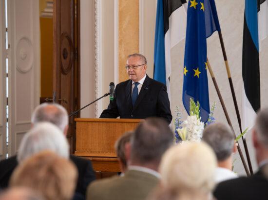 Eesti Post esitles iseseisvuse taastamise 30. aastapäevale pühendatud tervikasja. 20. Augusti Klubi president Ants Veetõusme.