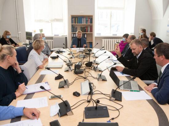 Õiguskomisjoni esimehe ja aseesimehe erakorralised valimised, 30. august 2021