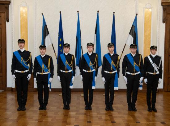 Tallinna 21. Kooli liputoimkond Toompea lossi Valges Saalis